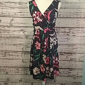 Lands End nwt medium floral stretchy dress